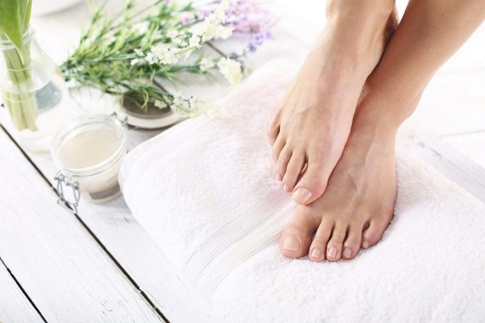 Peeling Skin on Feet, Make your skin, feet and legs smooth and delicate.